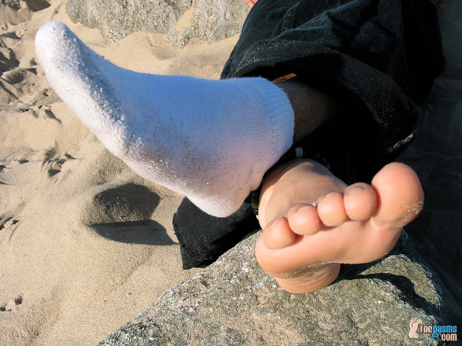 Tony's sandy male sole and dirty white sock for Toegasms - male feet