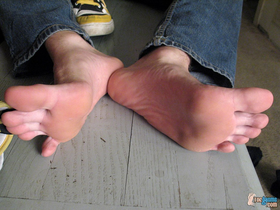 Puppy's slightly rough soles in blue jeans for Toegasms - male feet