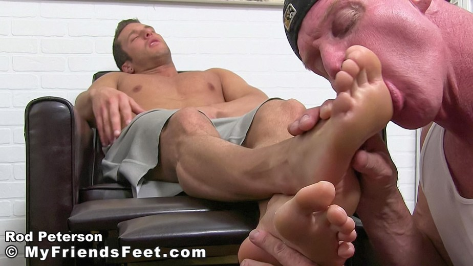 Dev sucks on shirtless Rod Peterson's size 11 bare male feet - My Friends' Feet - gay foot porn