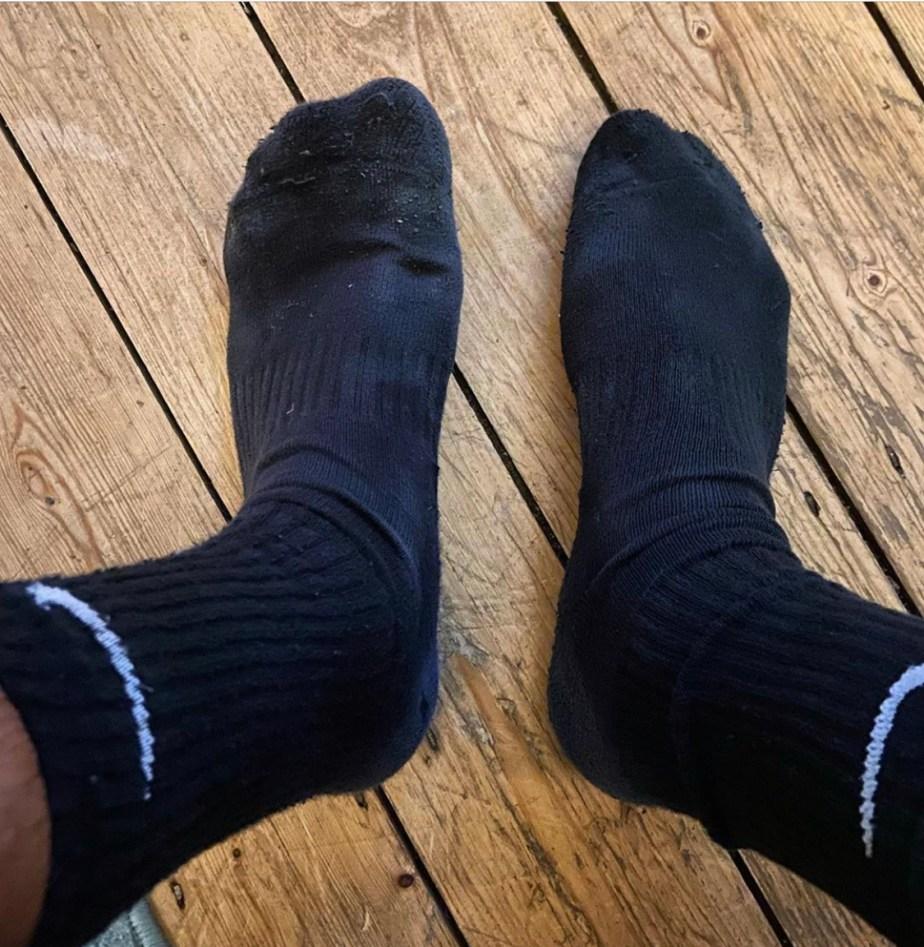 Uksweatysocks' black Nike crew socked feet