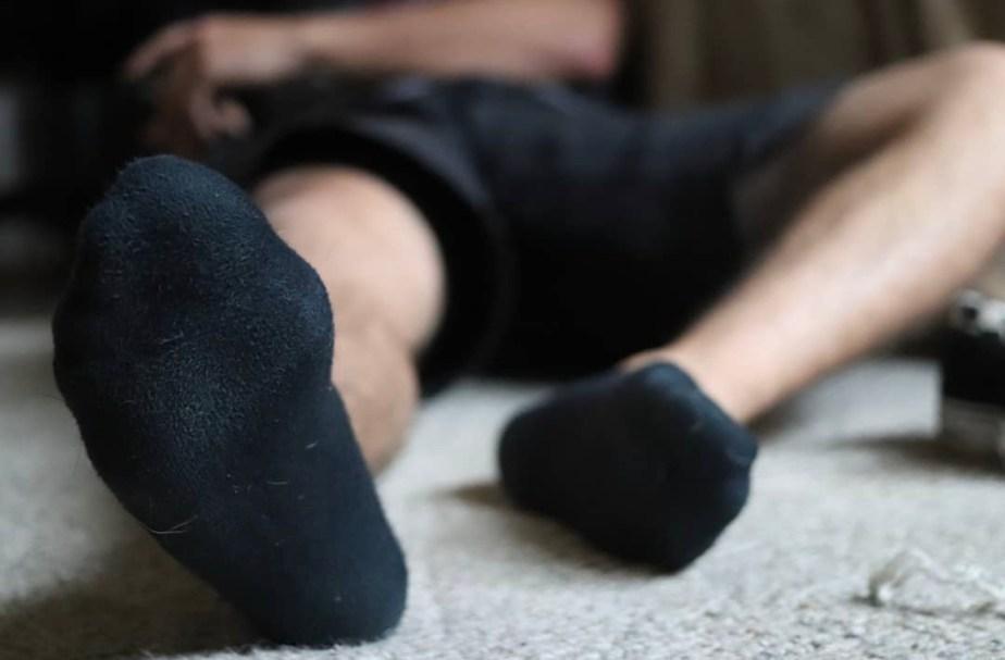 l93939393's black ankle socked feet