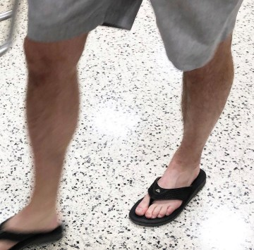 Barefoot in Quiksilver flip flops by p_d_f_pics