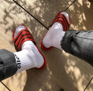 Nikesocksboy95 shows off his white crew socked feet in and out of Adidas slides