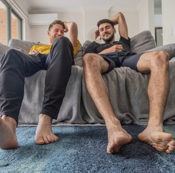 Antoine and Melouse hanging out barefoot
