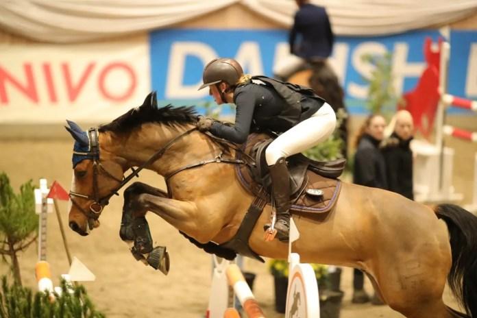 Cecilie V. Kjærulff til springstævne. Foto: Jimmy Leen Friis