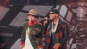 """daddy yankee y don omar concierto en puerto rico 2015 - Residente y Daddy Yankee Juntos """"El Wikipedia Urbano Pina Récords y White Lion"""""""
