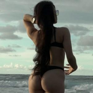 lvfunbia4c0 300x169 - Sou El Flotador Ft. Miky Woodz & Juhn – Estrella Fugaz (Official Video)