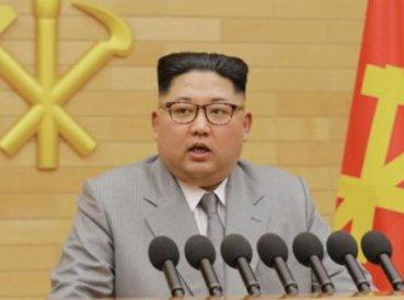 "Kim Jong-un vuelve a amenazar a EEUU: ""Siempre tengo un botón nuclear en la oficina"""
