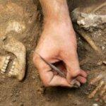 Arqueólogos descubren tumba de 3.600 años en ciudad citada en Apocalipsis
