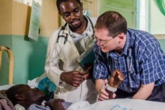 Misioneros luchan contra teología de la prosperidad para tratar crisis de VIH en África