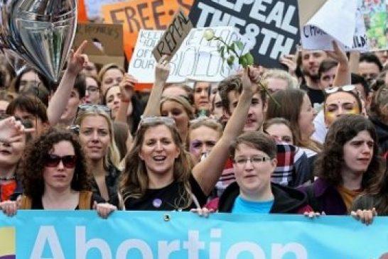 Parlamento de Irlanda aprueba legalización de aborto
