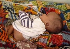 GARE ROUTIERE DE KOUTIALA : Un bébé de 3 mois abandonné par sa mère dans les mains d'une vendeuse de bouillie