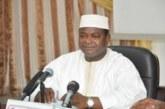 Le maire du District de Bamako, Adama Sangaré et le PDG du groupe Ozone, Aziz El Badraoui, étaient, le vendredi 28 juin 2019, face à la presse, dans la salle de réunion de la Mairie. L'objectif était de donner des informations sur l'état de lieu de la présence de l'Ozone et la perspective d4assainissement de  la capitale malienne.  D'entrée de jeu, le maire du District de Bamako, Adama Sangaré, a déclaré que suite aux efforts que fait le gouvernement pour soutenir les collectivités dans le cadre du transfert des compétences, surtout en matière d'assainissement, « nous avons toujours demandé à ce que vous les journalistes qui avez  toujours été nos partenaires, de nous aider dans le cadre du recouvrement des taxes,  afin que la TDRL et la taxe des voiries soient des réalités au quotidien pour nous ». « Je vous ai toujours dit et je ne cesserai jamais de le dire, aucune cité, aucune ville aujourd'hui, ne peut gérer sa question environnementale sans les citoyens », a soutenu le maire. Ainsi, il a fait savoir que dans le cadre de la décentralisation, ils ont souhaité le développement participatif afin que chaque citoyen comprenne qu'il faut nécessairement payer sa taxe au quotidien, afin qu'ils puissent relever ensemble le défi. Le maire Sangaré a révélé que sur 1600 tonnes de déchets par jour, aujourd'hui Ozone et la ville de Bamako arrivent à évacuer près de 40%. A ses dires, aujourd'hui, les ordures sont devenues une question industrielle dont leur souci est de faire en sorte que ces ordures soit transformées en composte, en énergie, en différentes matières qui peuvent donner la valeur et faire en sorte que parallèlement les taxes que les citoyens doivent payer pour la question environnementale atteignent un certain montant et un certain niveau pour que le montant que l'Etat met à la disposition d'Ozone aujourd'hui puisse rester dans le pouvoir de la ville de Bamako, pour que la ville se substitue à l'Etat par rapport au paiement de la convention signée entre l'Etat-