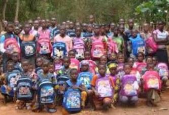 Mois de la solidarité et de la lutte contre l'exclusion : La JCPC1 offre 100 kits scolaires aux enfants démunis