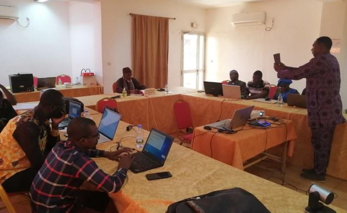 Adaptation au changement climatique dans le bassin de la Volta : Les techniciens à l'école de gestion des inondations, de sécheresse et d'alerte précoce