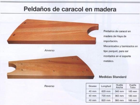 escalera de caracol con peldaos de madera