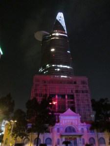 Bitexco Tower bei Nacht