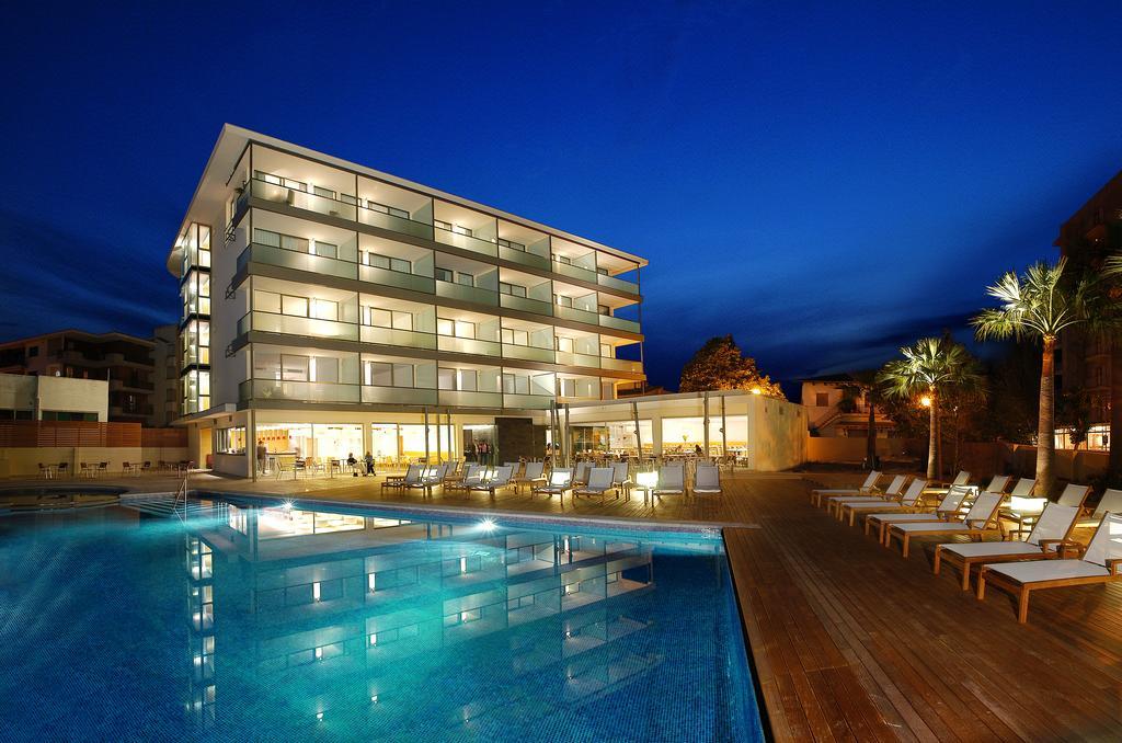 Aimia Hotel ****
