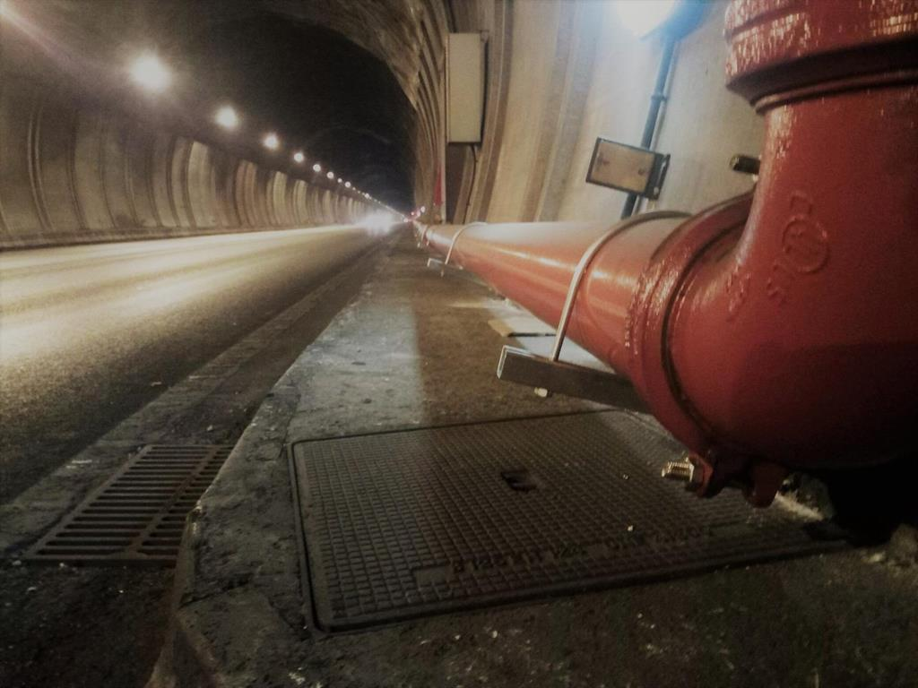 Wasserleitung im Tunnel von Sóller