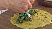 Spinat-Palatschinken mit Schinken und Käse