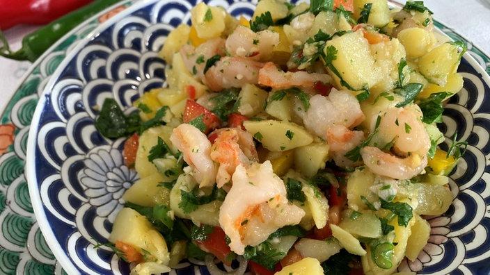 Kartoffelsalat mit Garnelen und Thai-Vinaigrette
