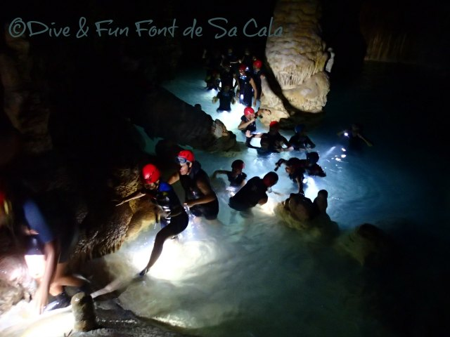 Höhlentour mit Körpereinsatz