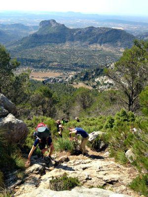 Steiler Aufstieg auf den Puig de L- Ofre