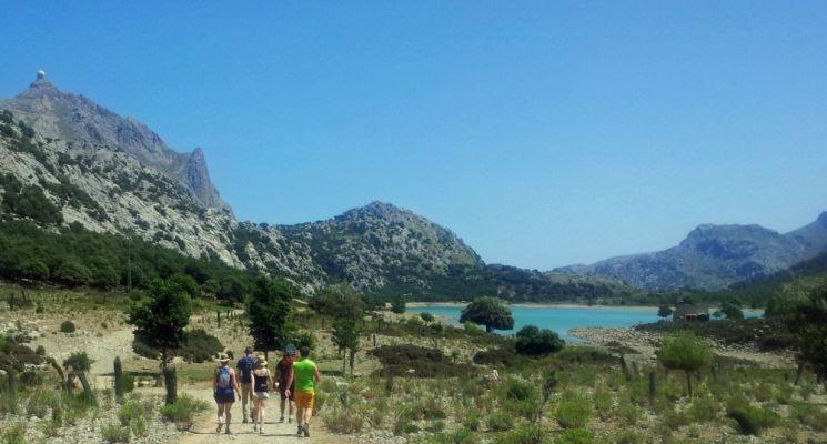 Wandern auf Mallorca durch die Mittagshitze zurück