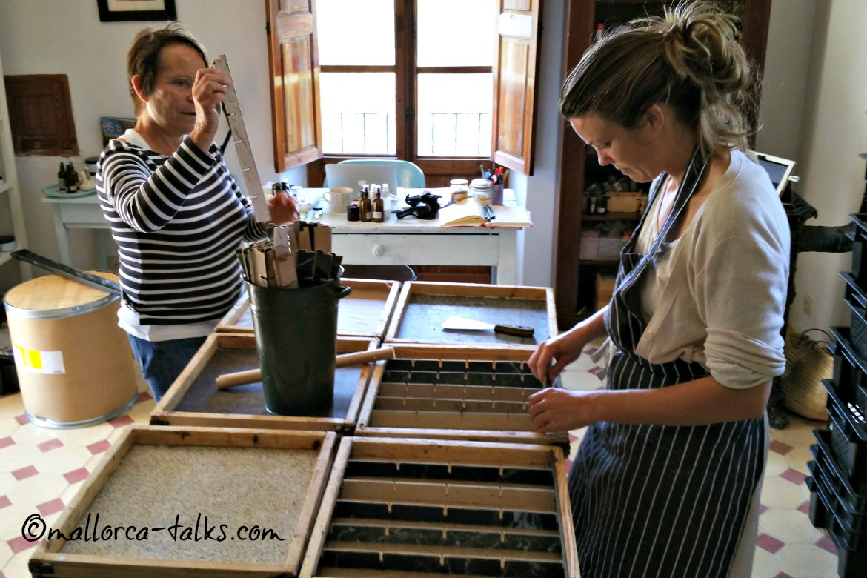 Trudi und Amber machen Seifen für Gaia Bathtime