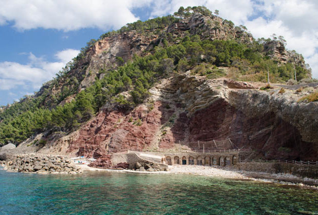 9 Strände im Westen Mallorcas: Cala Estellencs