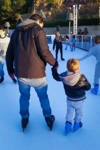 Eislaufen in Port Adriano