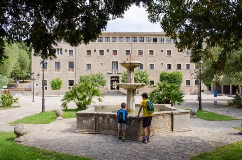 Klöster auf Mallorca: Monesteri de Lluc