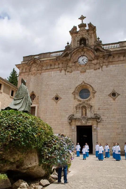 Kloster Lluc Blauets Kinderchor
