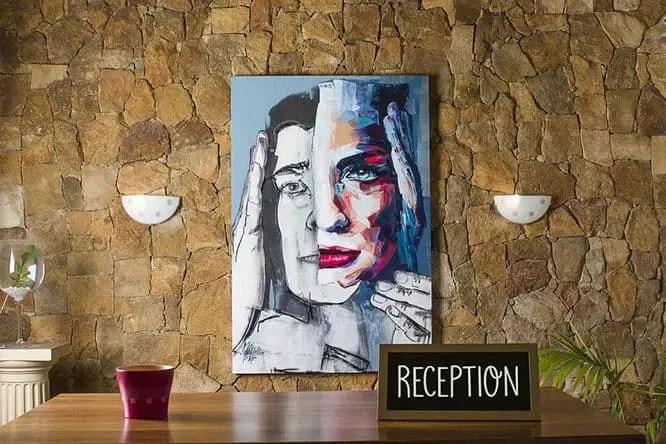 hostel-med-reception