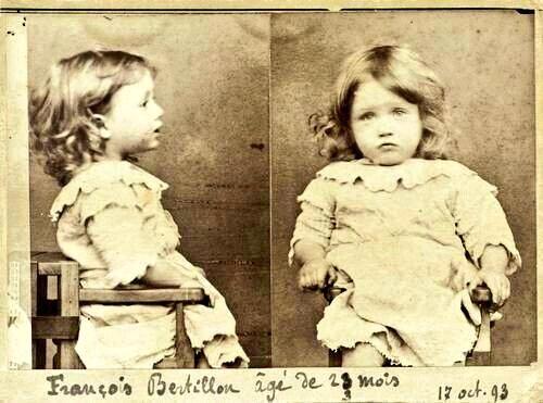 2 yaşında tutuklanan François Bertillon adlı çocuğa ait olduğu öne sürülen fotoğraf