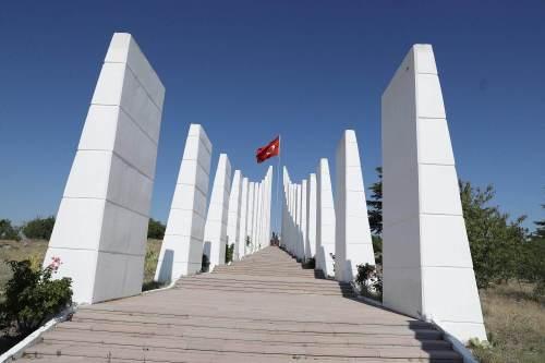 sakarya şehitleri anıtı