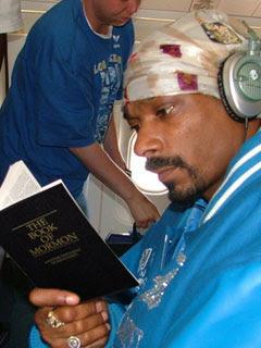Snoop Dogg Book of Mormon Okurken