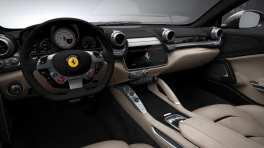 Gli interni della Ferrari GTC4Lusso