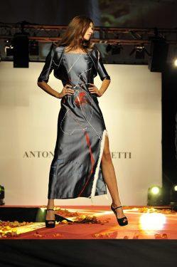 Vestito in seta dipinta, 2010. Crediti fotografici: Barbara Bernabei