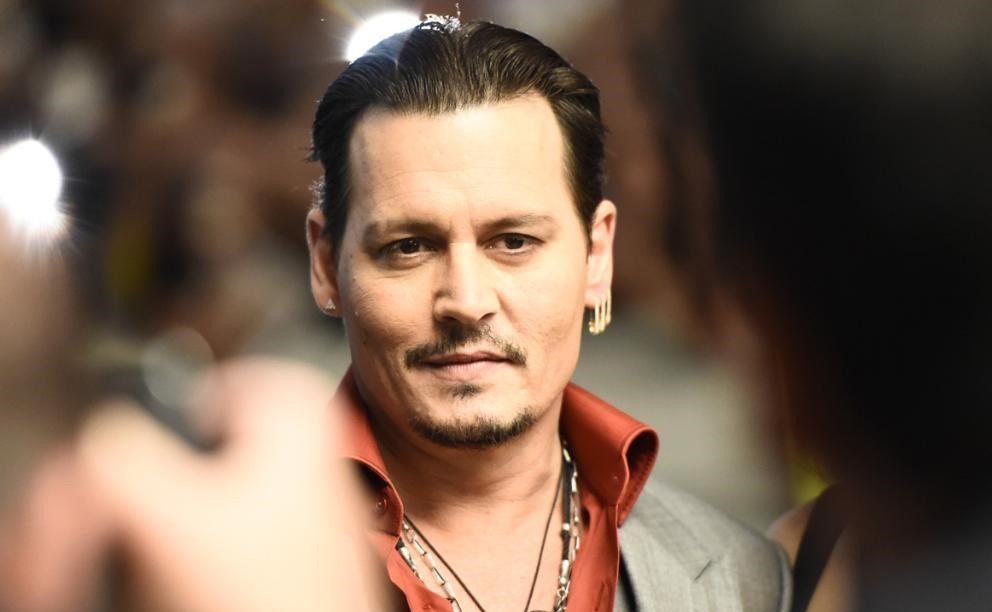 Frasi Sul Sorriso Johnny Depp.Auguri Johnny Depp L Attore E Sex Symbol Compie 53 Anni Mam E