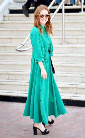 Moda: Julianne Moore: verde Rykiel e bianco Chanel
