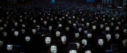 mame cinema V PER VENDETTA - STASERA IN TV L'OPERA DI ALAN MOORE maschere