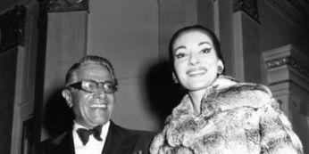 Maria Callas: donna, voce, leggenda. Una foto insieme ad Aristotele Onassis