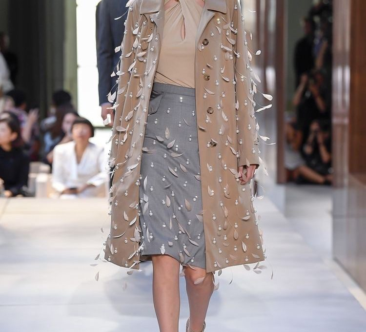 OUTFIT BURBERRY COLLEZIONE SPRING 2019