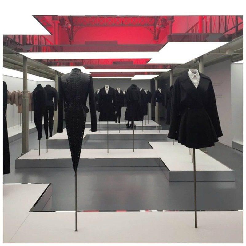 L'art du Tailleur, la mostra dedicata ad Alaia. Giacca coccodrillo Azzedine Alaia