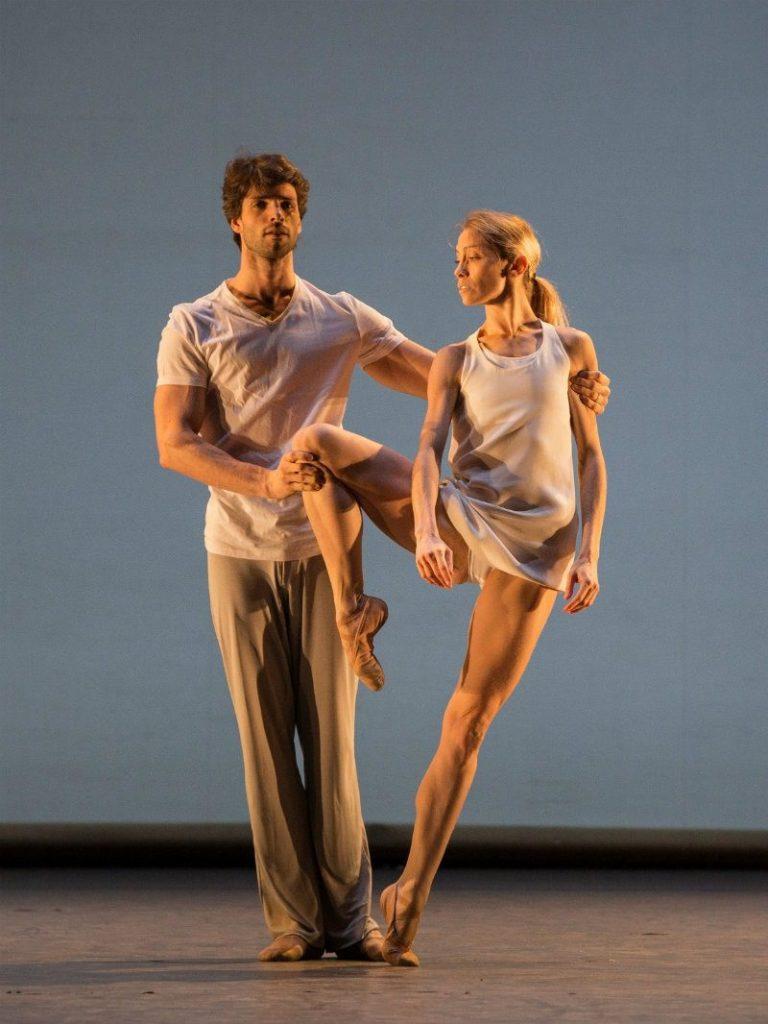 Eleonora Abbagnato danza con Florian Magnenet