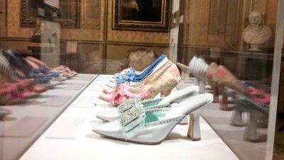 Scatto mostra Manolo Blahnik Londra