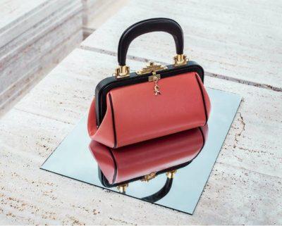 Modello di borsa Roberta di Camerino
