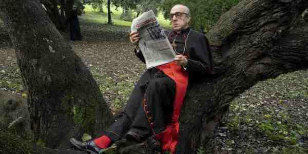 """LO SCANDALOSO E TRASGRESSIVO NEW POPE DI SORRENTINO Il Cardinal Voiello_""""Io non sono una brutta persona_ io sono una persona orrenda""""."""