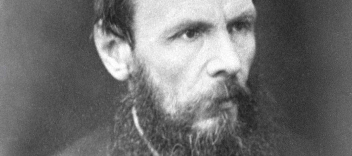 Fëdor Dostoevskij, la biografia: dai traumi dell'autore alla morale forte dei personaggi